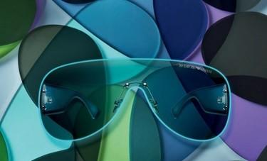Emporio Armani celebra 30 años con una colorida colección de gafas de sol