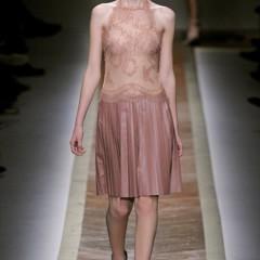 Foto 19 de 23 de la galería valentino-otono-invierno-20112012-en-la-semana-de-la-moda-de-paris-la-moda-esta-triste en Trendencias