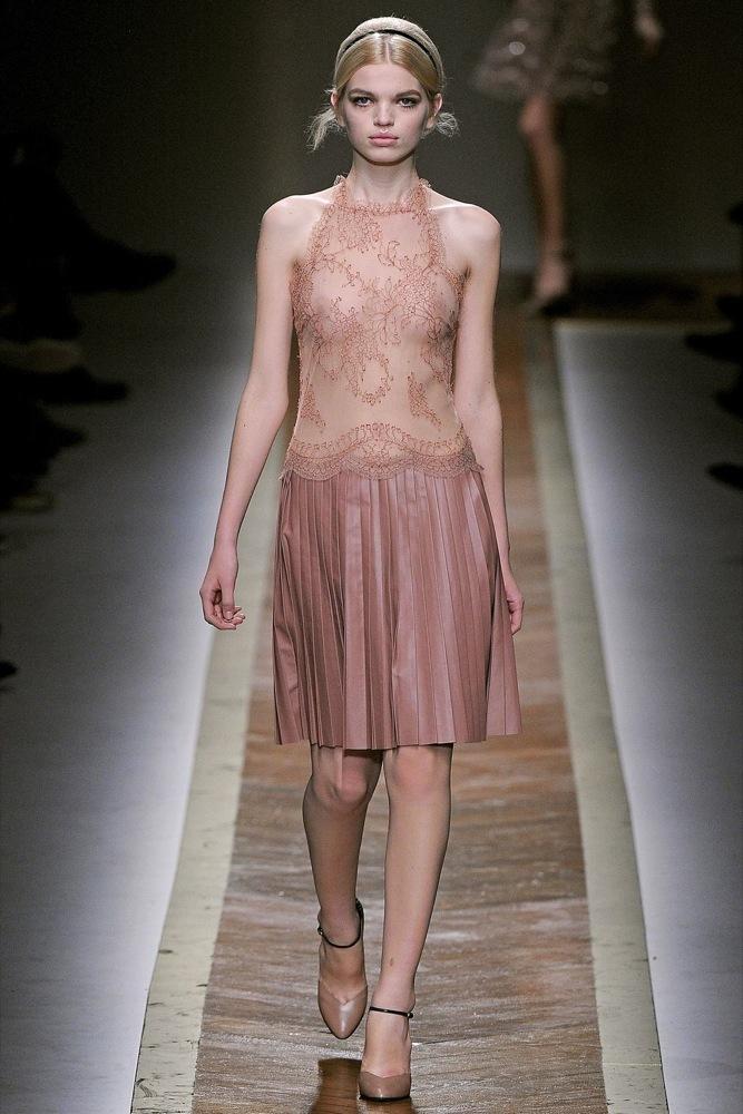 Foto de Valentino Otoño-Invierno 2011/2012 en la Semana de la Moda de París: la moda está triste (19/23)
