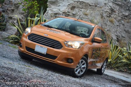 Probamos el Ford Figo… cuidado, millenial al volante (y al teclado)