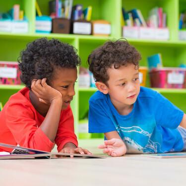 Los beneficios de llevar a tus hijos a una biblioteca y cómo estos espacios contribuyen a su desarrollo y aprendizaje