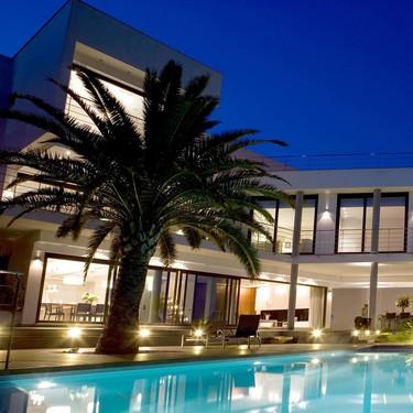 Puertas abiertas: Una casa espectacular en la montaña con vistas al mediterráneo