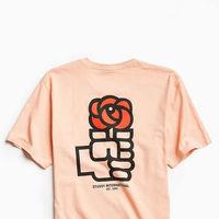 """Urban Outfitters y su camiseta """"homenaje"""" a la rosa del PSOE lo está petando en Twitter"""