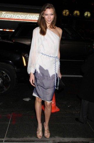 Karlie Kloss boutique de Christian Dior