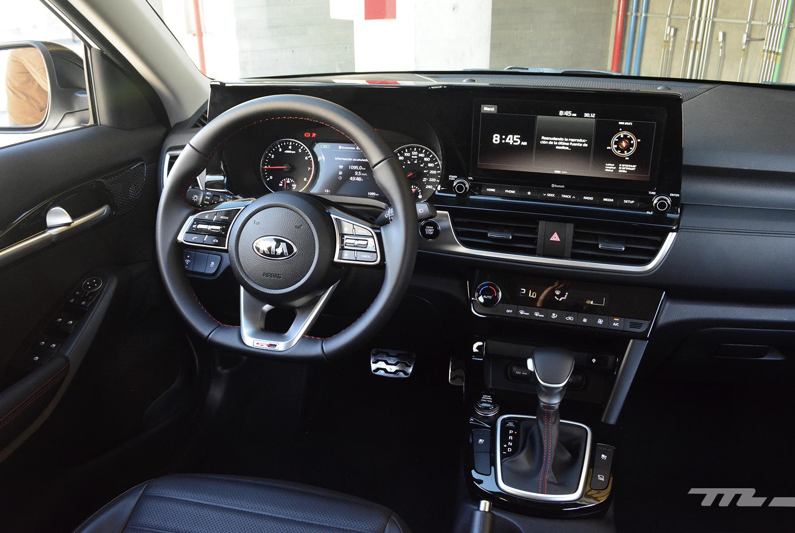 Foto de KIA Seltos vs. Mazda CX-30 (comparativa) (27/32)