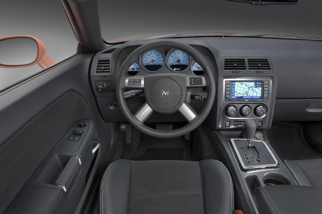 Foto de Dodge Challenger SRT8 (72/103)
