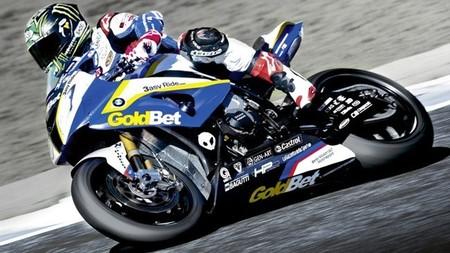 Superbikes Motorland Aragon 2013: Chaz Davies consigue una clara victoria en una primera carrera de locos