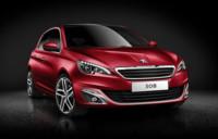 El Peugeot 308 cambia de cara, ¿renovarse o morir?