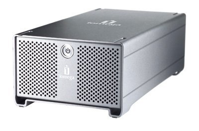 Iomega UltraMax, 640 GB con apariencia metálica