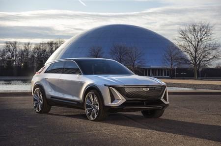 El Cadillac Lyriq es un enorme SUV eléctrico con 480 km de autonomía y pantalla de 33 pulgadas que adelanta el futuro de la marca