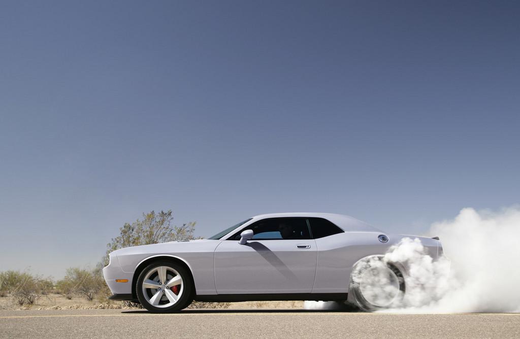 Foto de Dodge Challenger SRT8 (101/103)