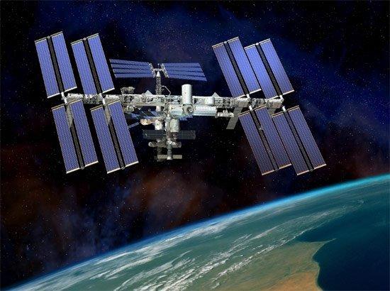 ¿De dónde sale el oxígeno que respiran los astronautas en las estaciones espaciales?