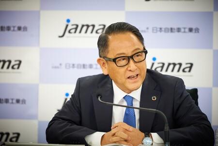 Toyota ve a los vehículos eléctricos como una amenaza para Japón y a su economía