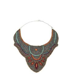 Foto 6 de 19 de la galería decora-tu-cuello-con-los-collares-babero-1 en Trendencias