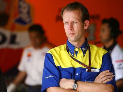 Michelin no comprende el salto de Valentino Rossi a Bridgestone