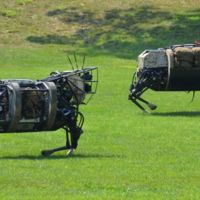 El robot BigDog se jubila, deja su sitio a robots más ligeros