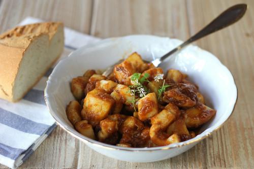 Sepia con salsa brava y patatas al microondas, la sorprendente preparación que no te cansarás de comer