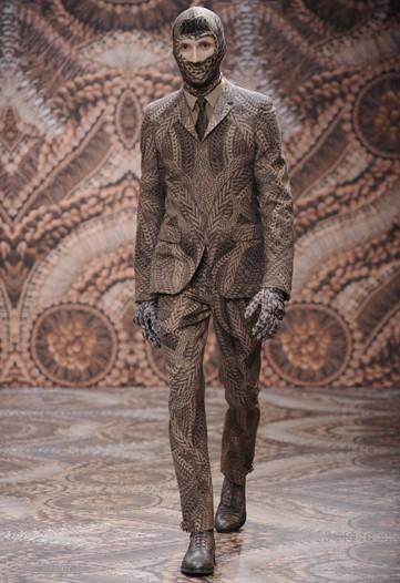 Foto de Alexander McQueen, Otoño-Invierno 2010/2011 en la Semana de la Moda de Milán (7/13)