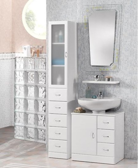 Cinco muebles y siete ideas para un lavabo con pedestal for Muebles de bano homy