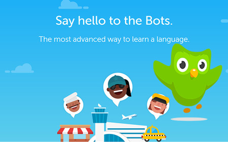 Duolingo presenta sus chatbots para que los usuarios puedan practicar su inglés