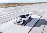 Vídeo: ¿Cómo de rápido puede ir un Dodge Charger SRT Hellcat?