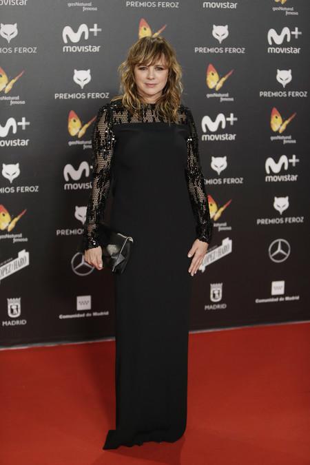 premios feroz alfombra roja look estilismo outfit Emma Suarez