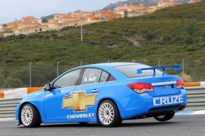 Debuta en pista el nuevo Chevrolet Cruze