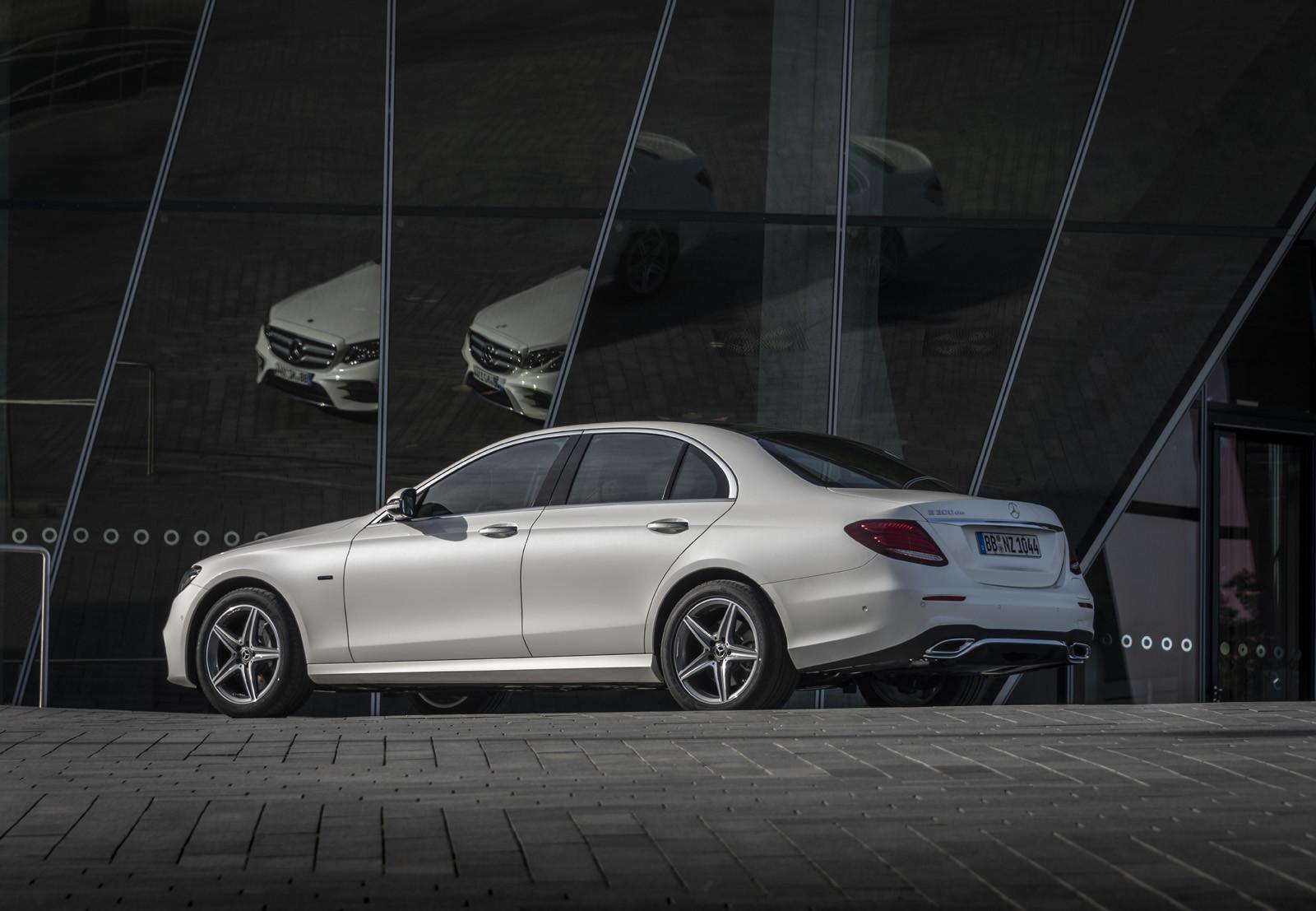 Foto de Mercedes-Benz E 300 de (presentación) (13/47)
