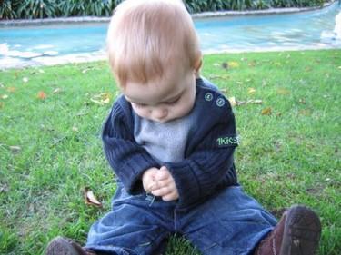 Cómo se detectan retrasos en el desarrollo psicomotor de los niños (V): 6 a 9 meses