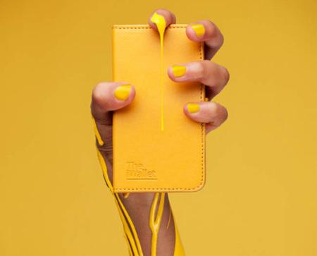 Es un tarjetero, es una funda para iPhone con soporte... es The iWallet