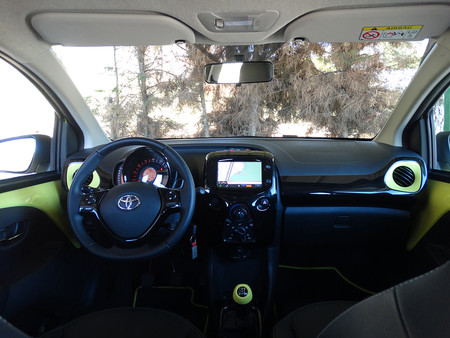 Frontal Prueba Toyota Aygo Interiores