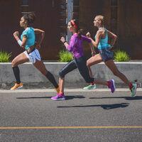 Fortalece tus tobillos para evitar lesiones: siete ejercicios que no te pueden faltar si eres runner