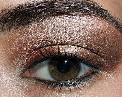 Foto de Look de fiesta, ojos marrones (2/5)