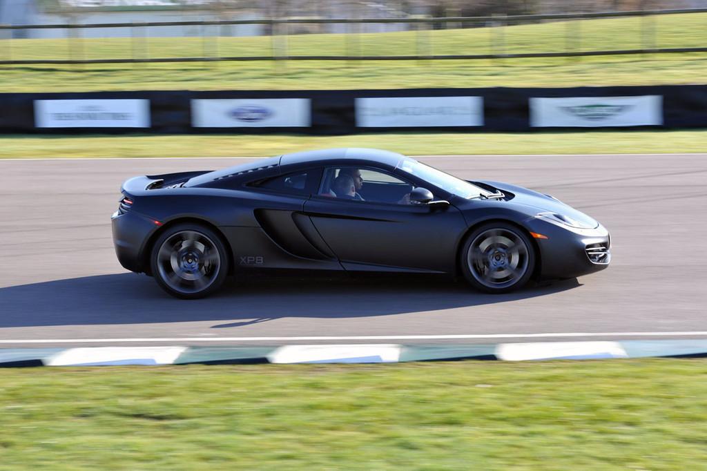 Foto de McLaren MP4-12C (12/123)