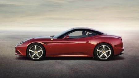 Ferrari California T exterior rojo lateral (capotado)
