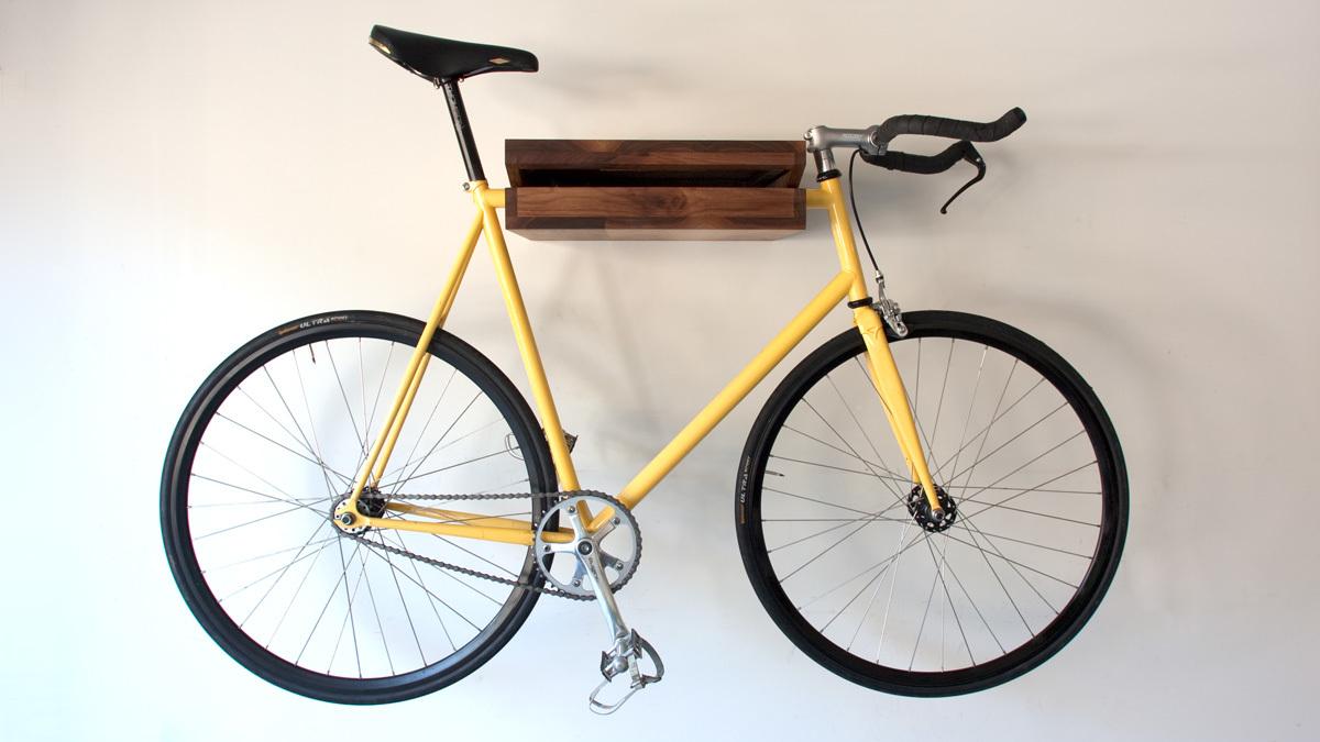 Foto de Una estantería donde colgar la bicicleta (5/5)