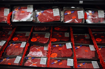 Un estudio exonera a la carne roja y procesada de los reproches de la OMS (pero las críticas muestran que el debate sigue abierto)