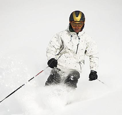 El equipamiento adecuado para la práctica del esquí