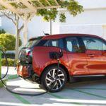 BMW auspiciará la instalación de 500 puntos de recarga rápida en Estados Unidos