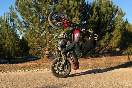 Emilio Zamora ya tiene una Ducati Scrambler para hacer diabluras