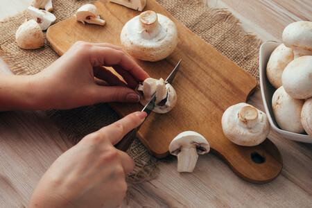 Redescubriendo el champiñón: cómo cocinarlo, propiedades, características y siete recetas para aprovechar su infinita temporada