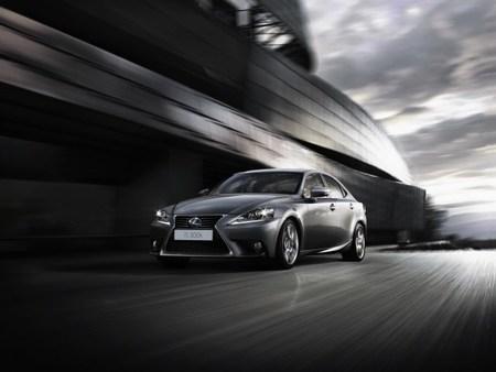 Lexus IS 300h, la nueva generación llega desde 35.900 euros