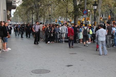 Cientos de personas, cientos de unidades