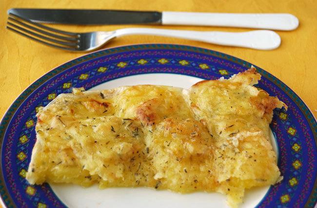 Patatas gratinadas a la provenzal con queso gouda sin lactosa