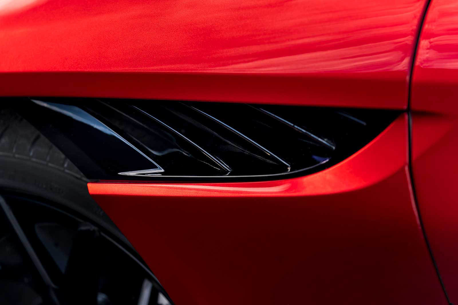 Foto de Aston Martin DBS Superleggera (23/31)