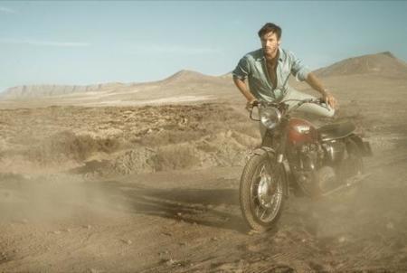 HE by Mango, campaña Primavera-Verano 2010: un hombre en el desierto IV