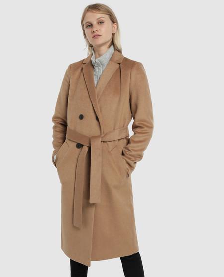 Abrigo de mujer largo con cinturón