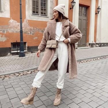 Siete combos de sudadera y pantalones joggers de las segundas rebajas de Bershka y Asos para arrasar junto a un abrigo largo