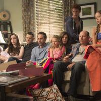 'Life in pieces' es el primer estreno de CBS en ser renovado por una segunda temporada