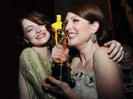 Julianne Moore y Emma Stone